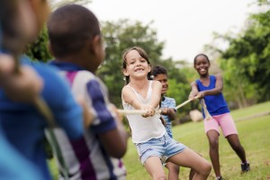 A Pediatrician Guides You on Precautions for Risky Play and Activities